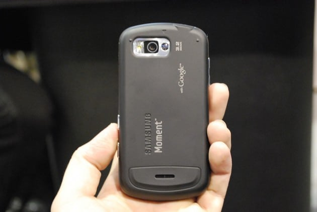 Samsung moment-3