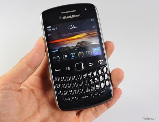 blackberry curve 9370 front